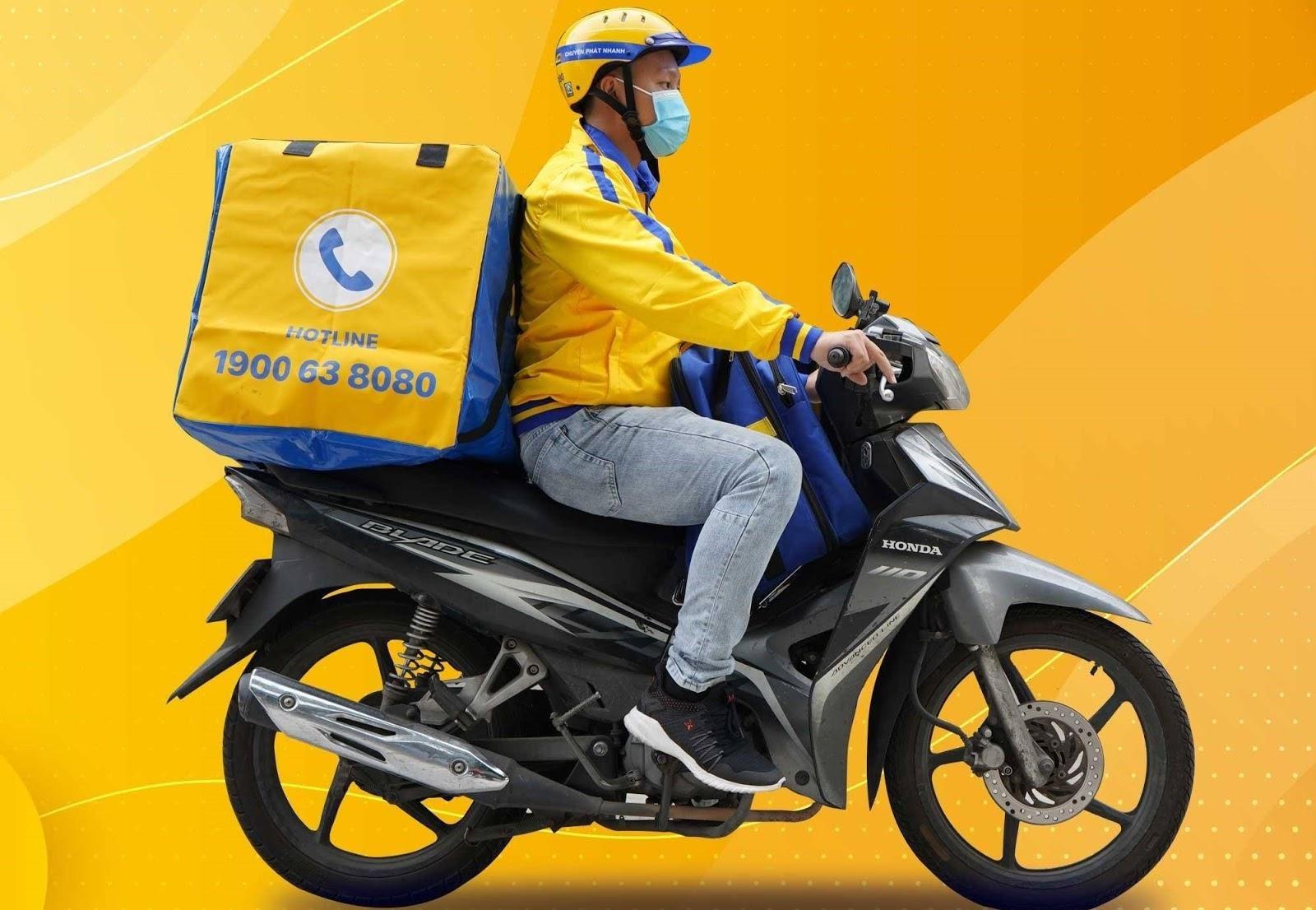 Dịch vụ chuyển phát tiêu chuẩn bằng xe máy