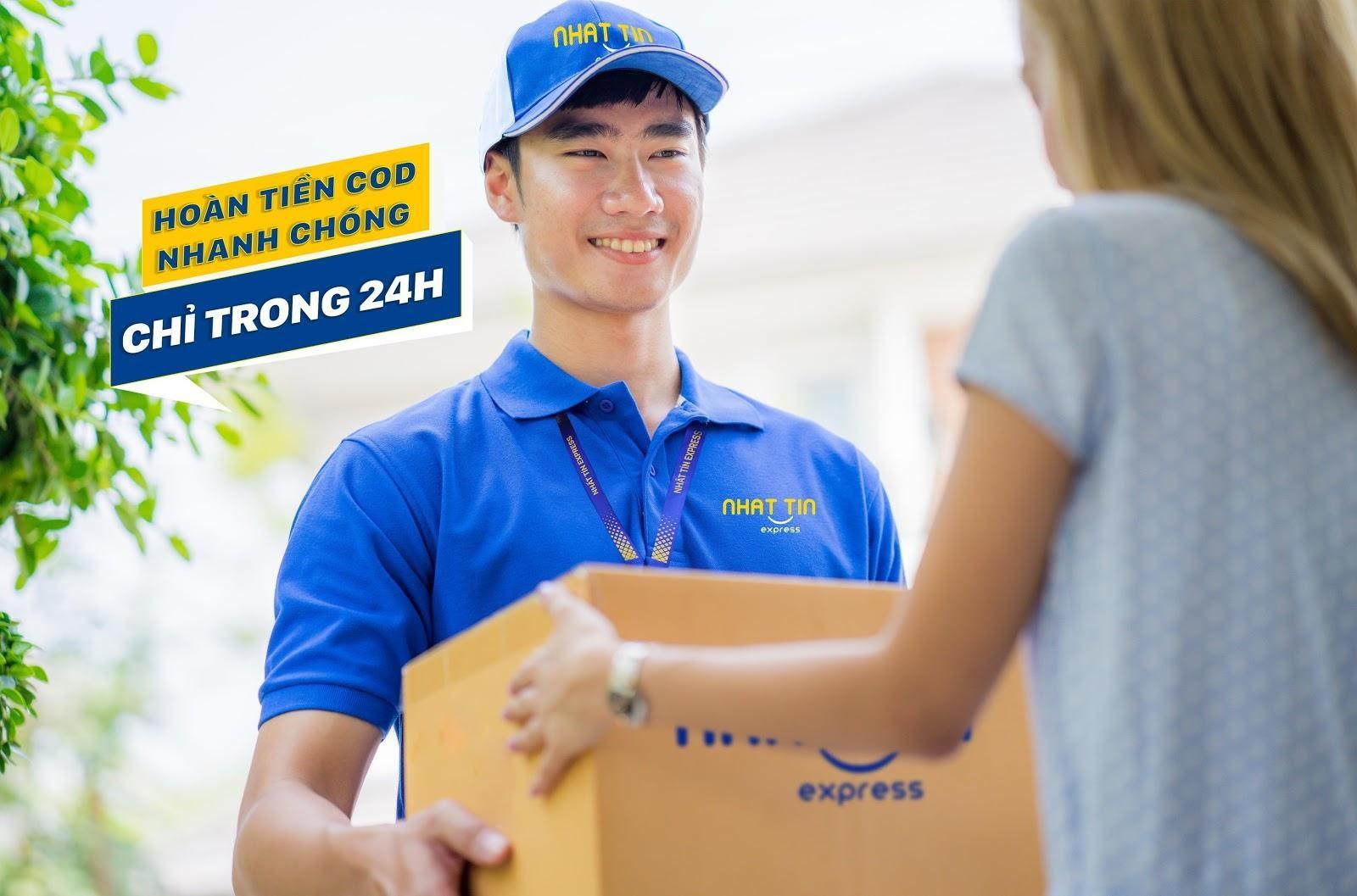 nhân viên giao hàng nhanh thân thiện, chuyên nghiệp, tận tâm của NTX - Nhất Tín Express Hà Nội, Sài Gòn