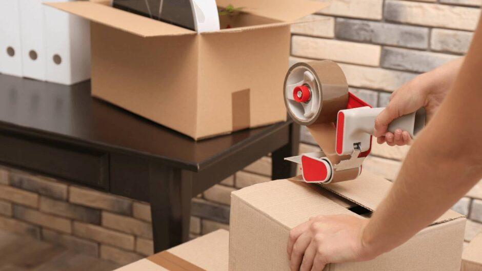 Mặt hàng nào cần đóng kiện gỗ khi gửi hàng nhanh
