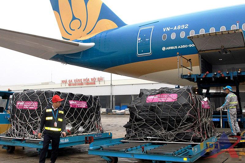 Vận chuyển hàng hóa Bắc Nam bằng máy bay