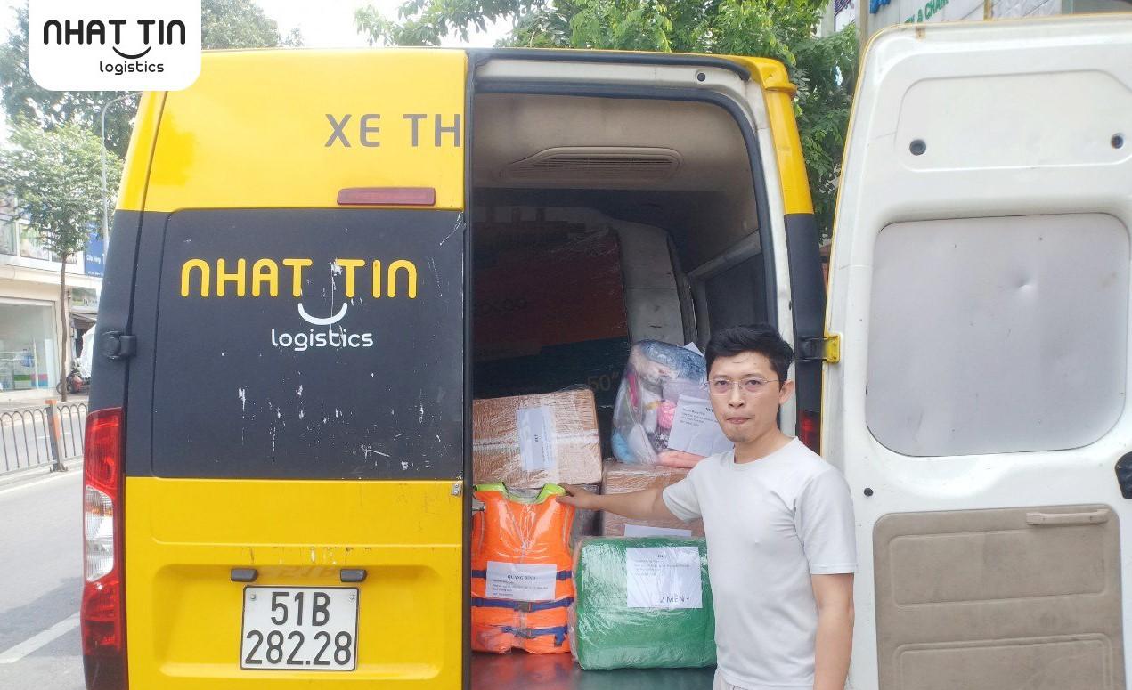 Tiếp nhận 7 tấn hàng hóa ủng hộ, cứu trợ đồng bào miền Trung